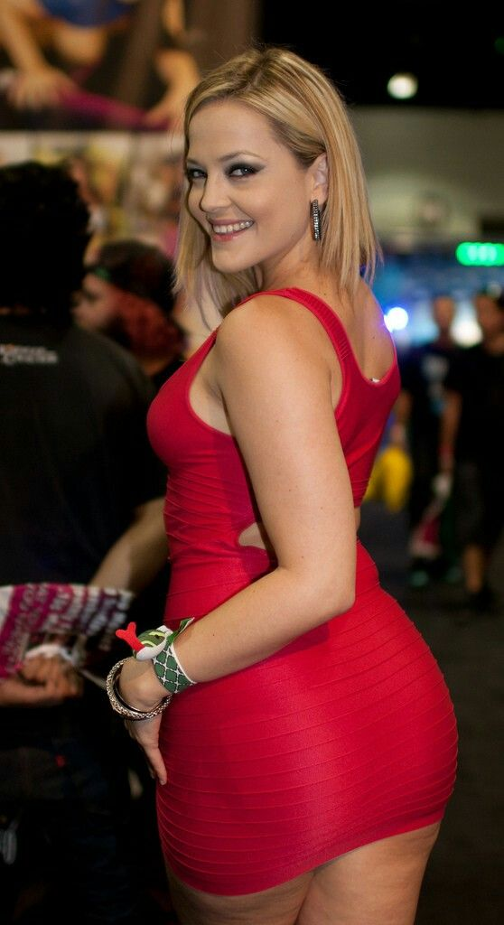 Pin By Breezy On Beautiful People Texas Fashion Alexis Texas