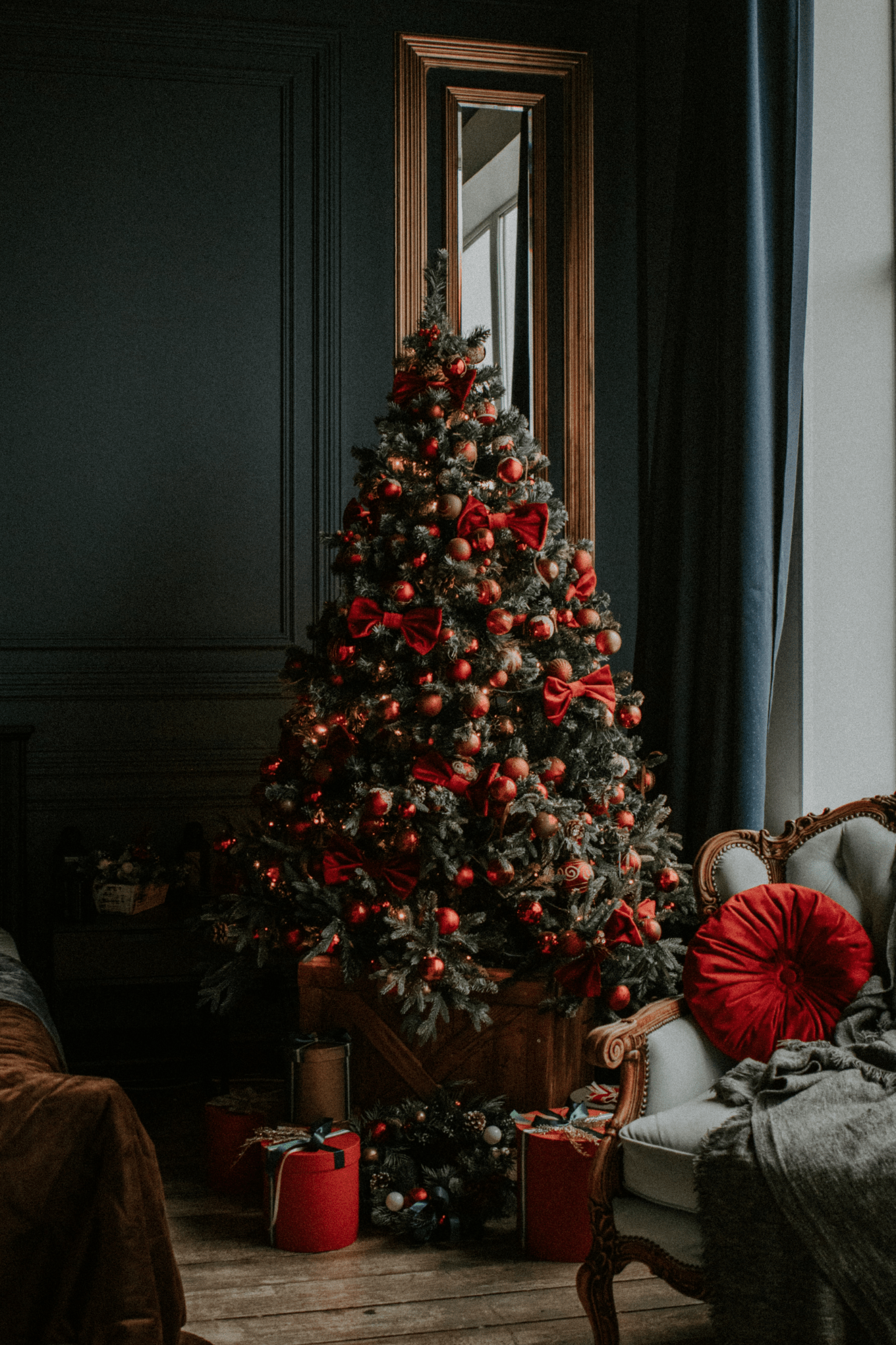 The Art Of Elevated Gifting Christmas Tree Wallpaper Christmas Interiors Christmas Background Images