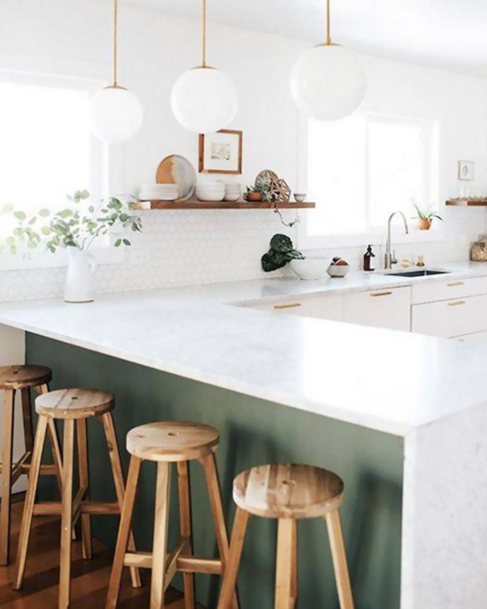 Sélection déco en vert olive et blanc  Coin salle à manger
