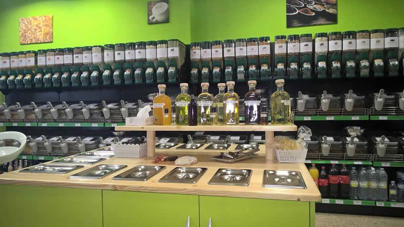 Dispensadores De Venta A Granel Gravity Bins Modelo 0001 Mostradores Tiendas Diseño De Supermercado Interiores De Tienda
