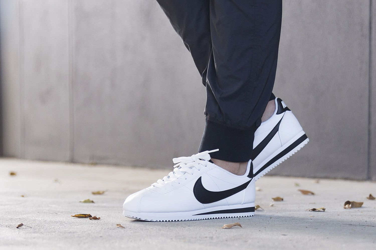 nike CLASSIC CORTEZ LEATHER WhiteBlack bei