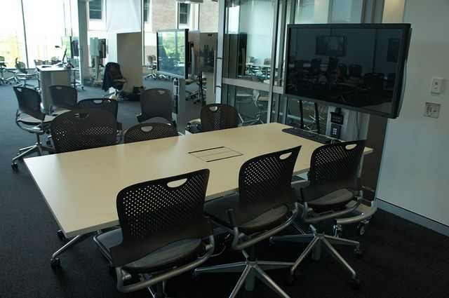 QUT Science And Engineering Centre   Classroom. Flexible Furniture And  Mobile AV Units (screen