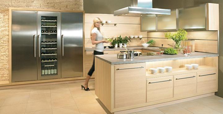 Mut zur Farbe Kombinieren Sie eine schlichte Küche mit modernen - küchen farben trend