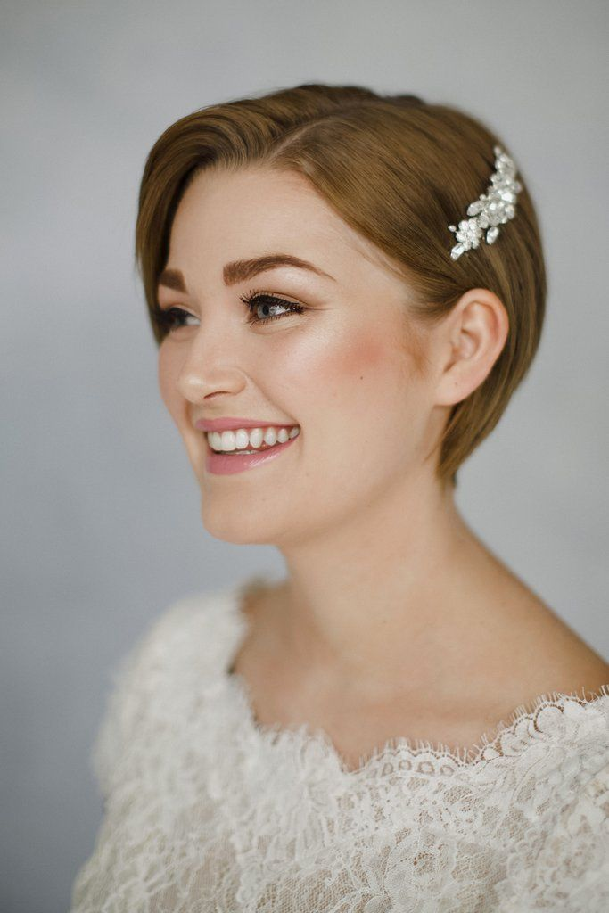 20 Short Hairstyles For Wedding That Will Suits Your Personality Short Bridal Hair Short Wedding Hair Short Hair Bride