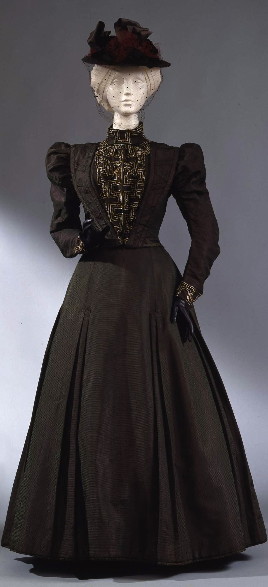 701105f14fbb Walking dress in two parts (bodice and skirt), Italian manufacture, c.  1897-98, at the Pitti Palace Costume Gallery. Via Europeana Fashion.
