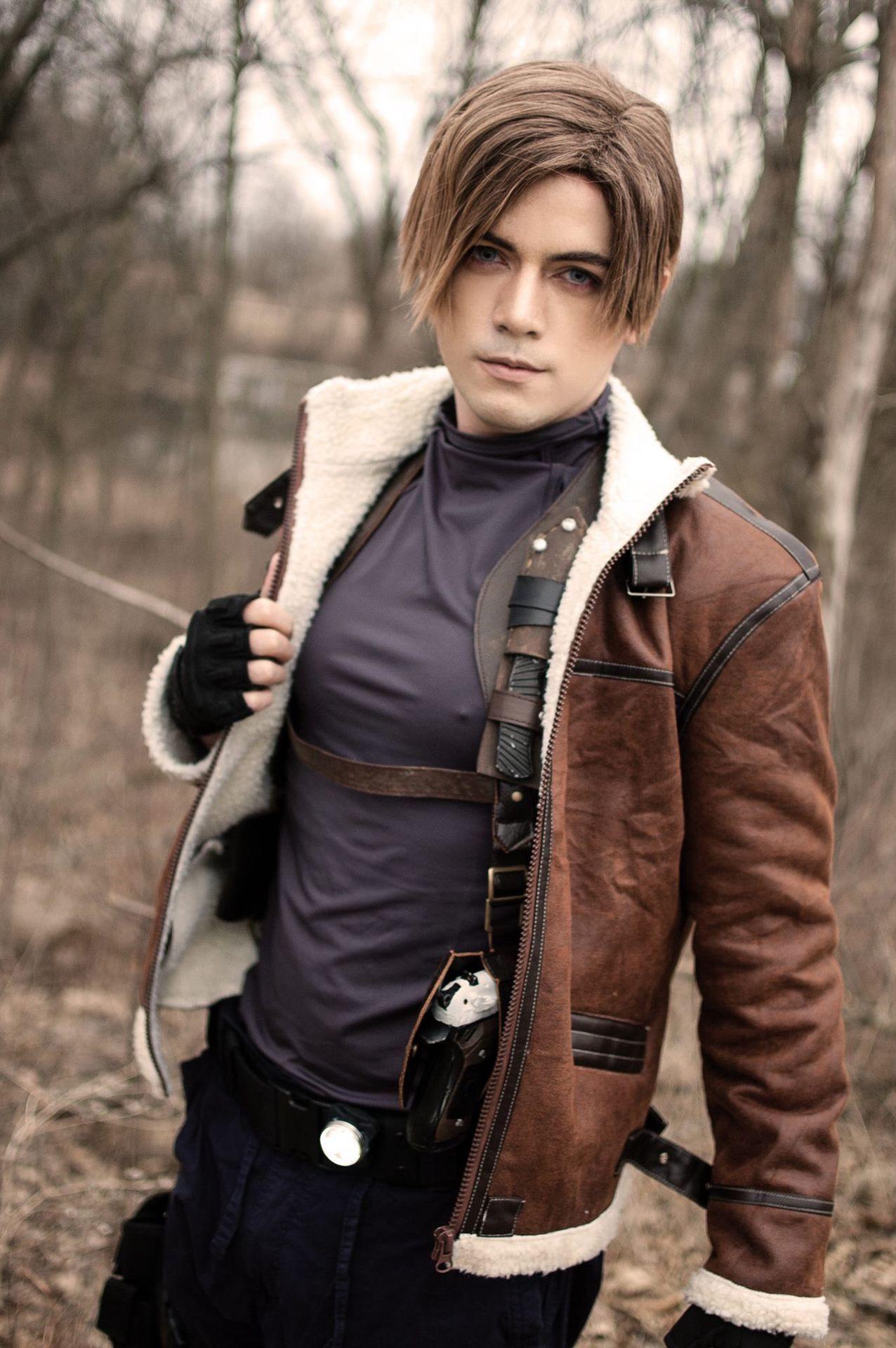 Resident Evil One Shots Leon Kennedy Resident Evil Cosplay