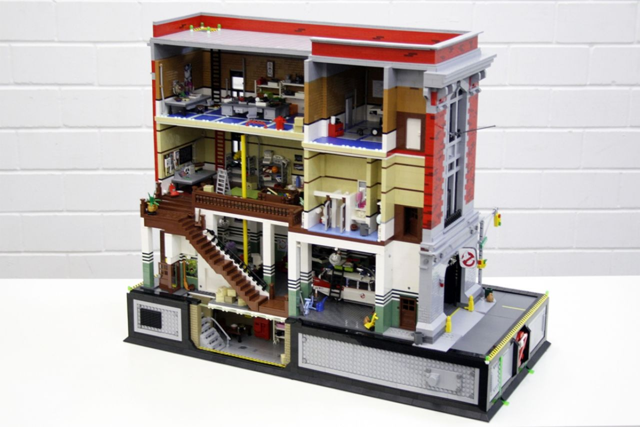 The Ghostbusters Hq Incredibly Recreated With Lego Ghostbusters Lego Ghostbusters Firehouse