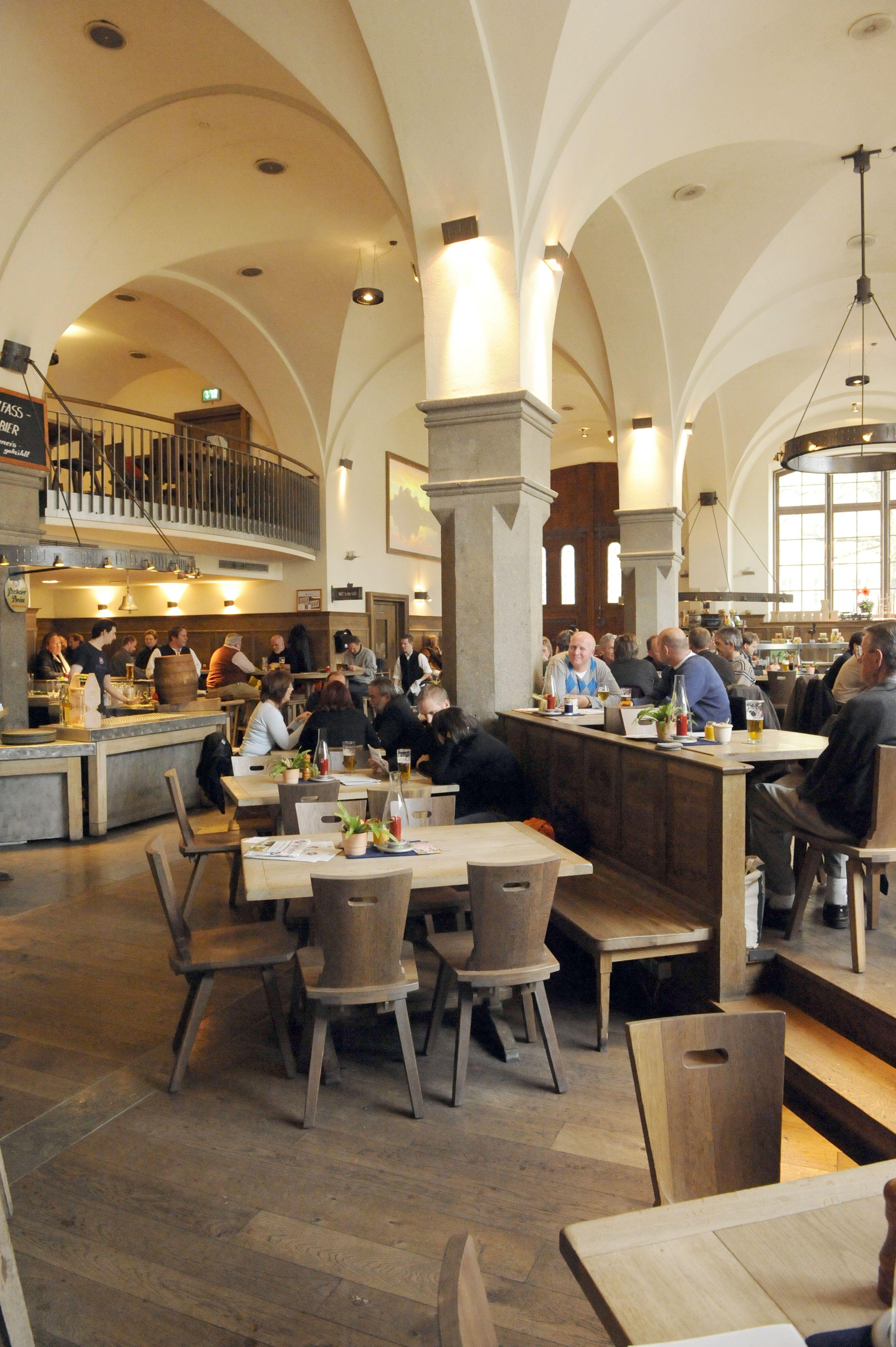 Pin Von Mongo Kalresian Auf Das Wirtshaus Von Innen The Restaurant From The Inside Restaurant Munchen Haus Restaurant