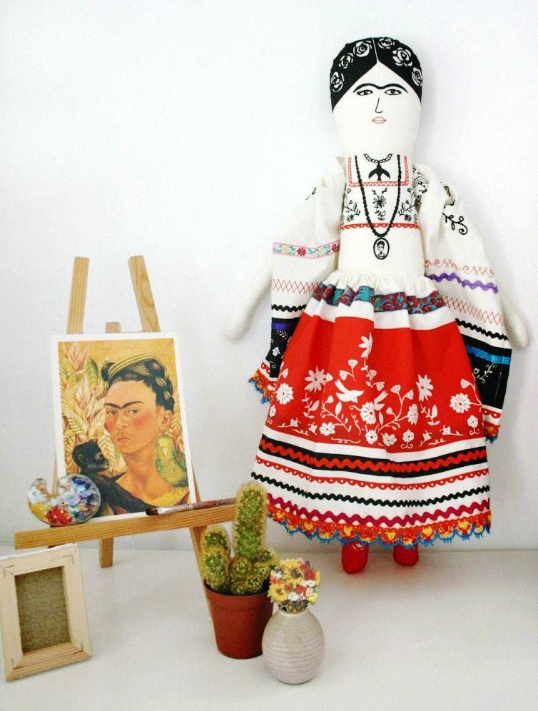 Mikodesign: Frida Kahlo in her atelier