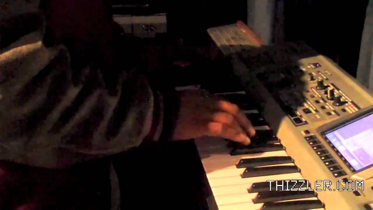 Traxamillion makes a beat for Thizzler On The Roof (With