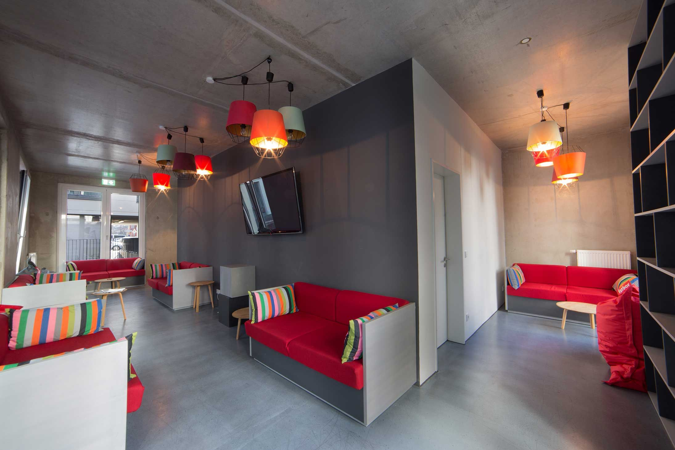 THE FIZZ Berlin Clubhouse & Comunal kitchen at the student ...