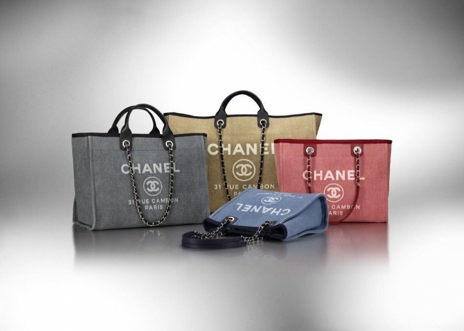 e18e9d69d71f Linen bags from Chanel for the summer!