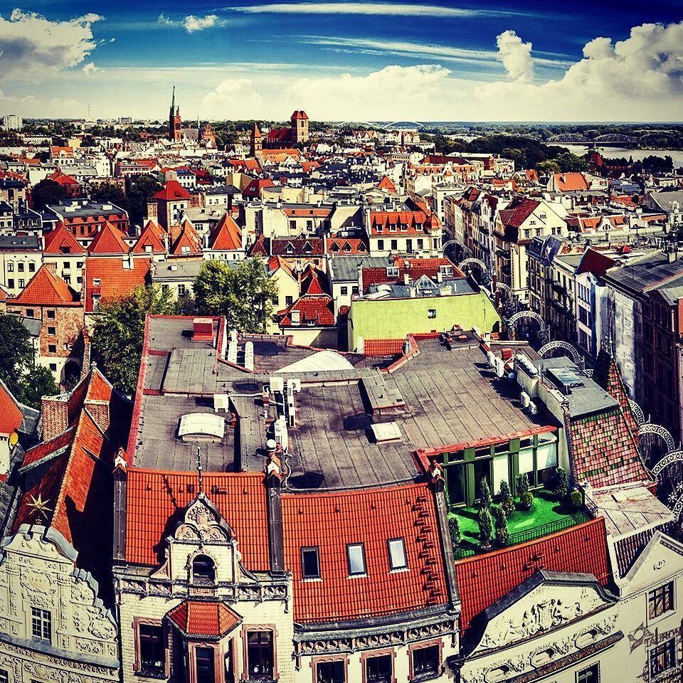 #starowka #oldtown #torun #town #view #photo #beautiful #instagood #citylife #theexpeditioners #thegreatoutbond #panorama #lovelytown #polska #oldstreet #travel #instatravel #torunskastarowka #roadtrip #citylights #cityview #travelstyle #vscopoland #vsco by starowka_blizej_ciebie