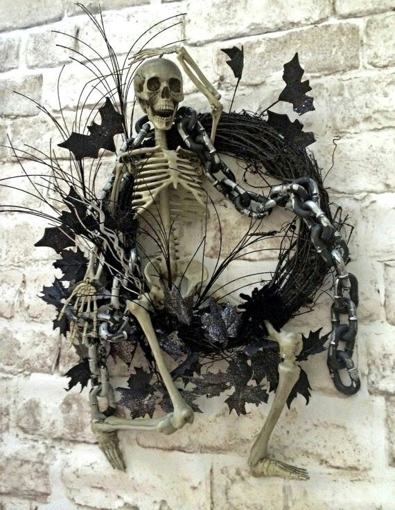 Skeleton Halloween Wreath, Skeleton Wreath, Halloween Decor