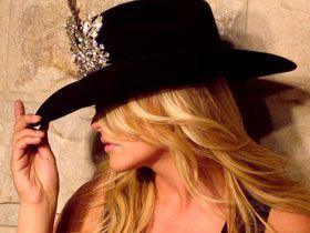 Voluptuous Vixens In Hollywood | Entertainment Tonight