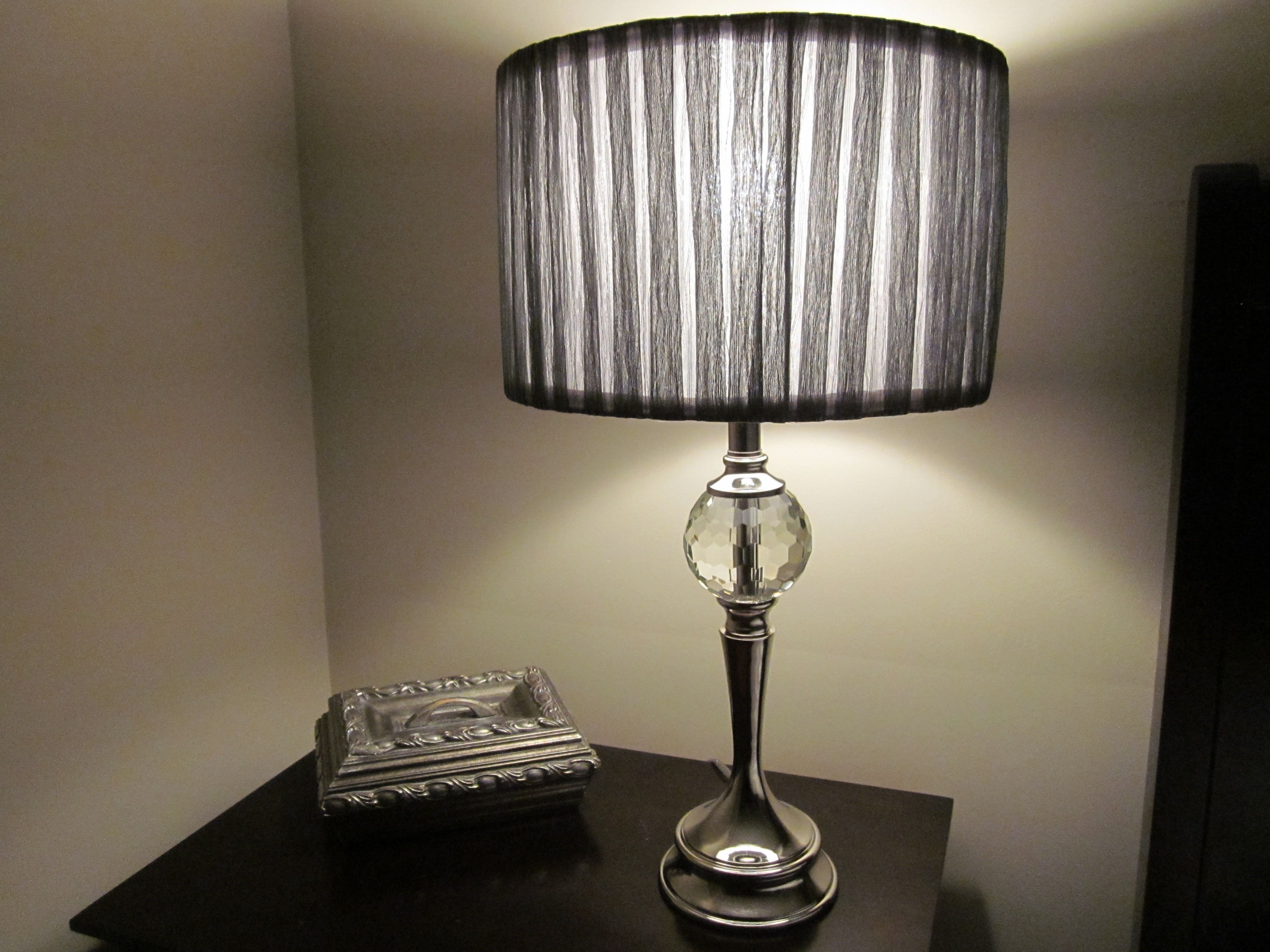 Silverbase, crystal lamp with greyshimmer shade for