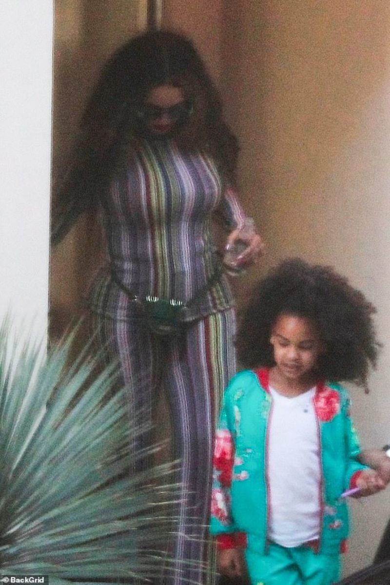 Beyonce S Daughter Blue Ivy Shows Long Natural Hair Mto News Blue Ivy Blue Ivy Carter Beyonce