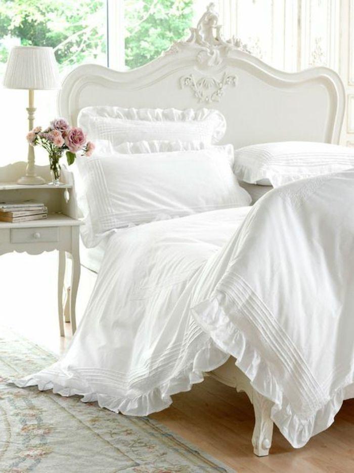linge de lit descamps de couleur blanc, lit baroque pour la chambre ...