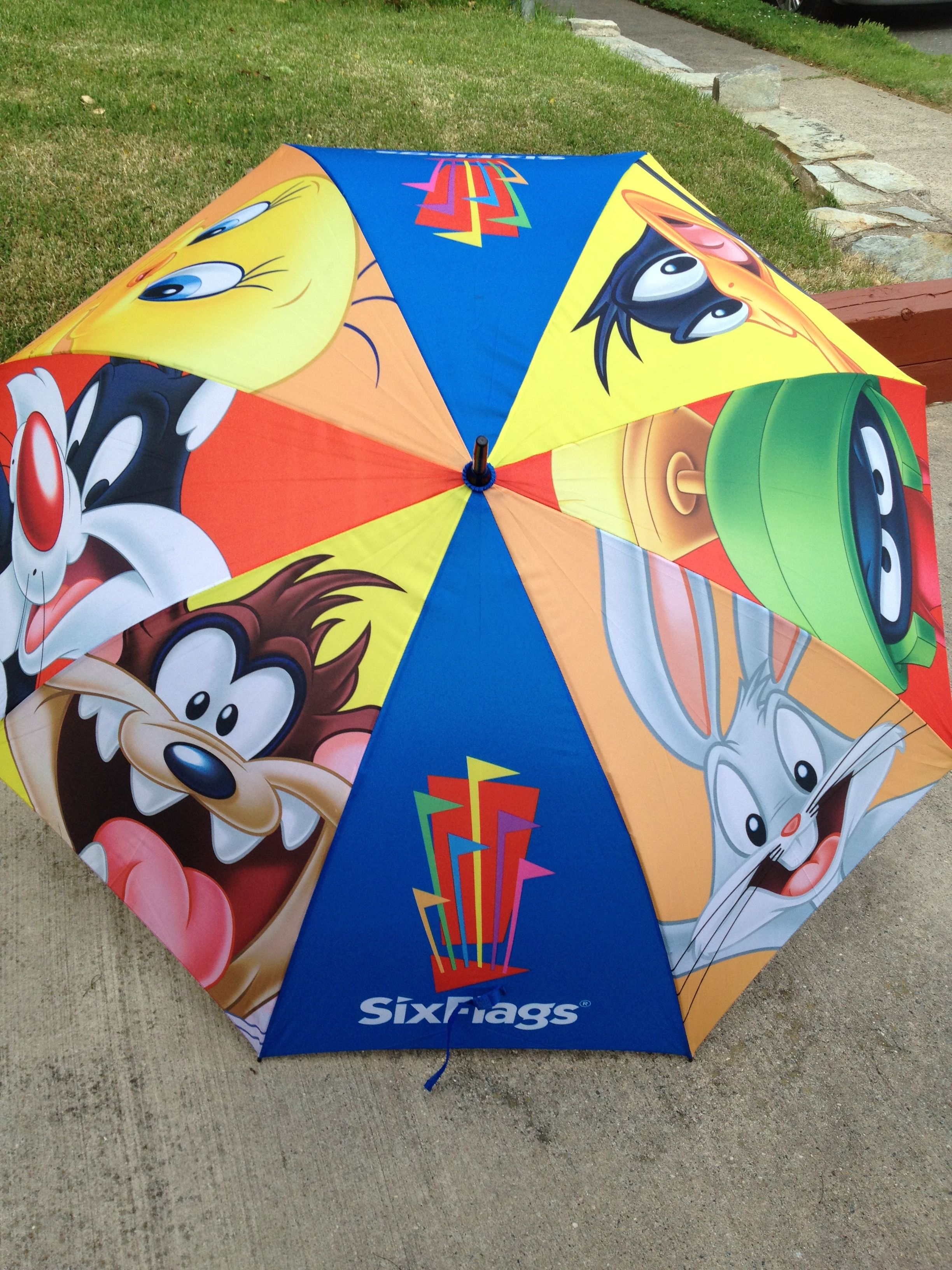 Six Flags Great Adventure Looney Tunes Umbrella From Jackson Nj Six Flags Great Adventure Looney Tunes Looney
