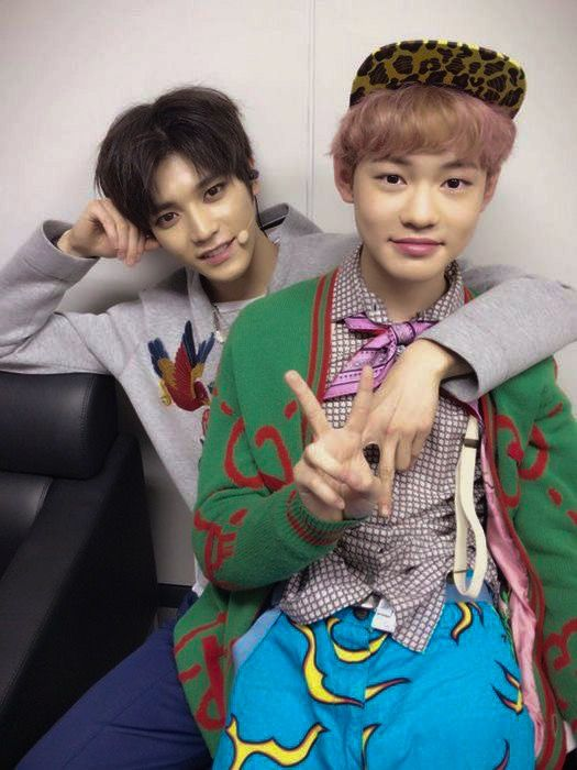 A little baby sitting on daddy Taeyong's lap ❤❤ | KPOOP in