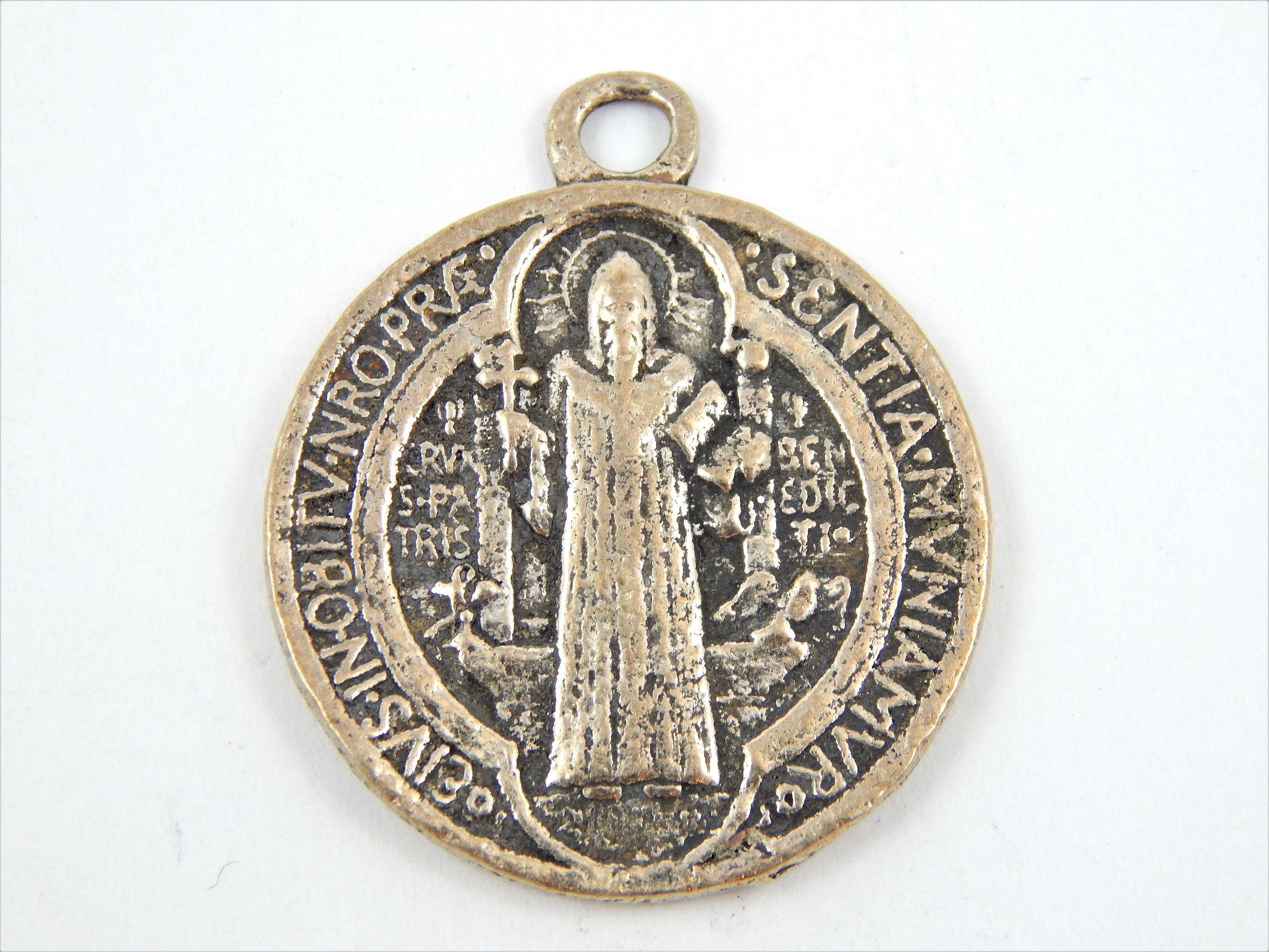 clip paraclete medallion catholic pewter designs st bookstore visor img benedict the christopher car assorted accessories
