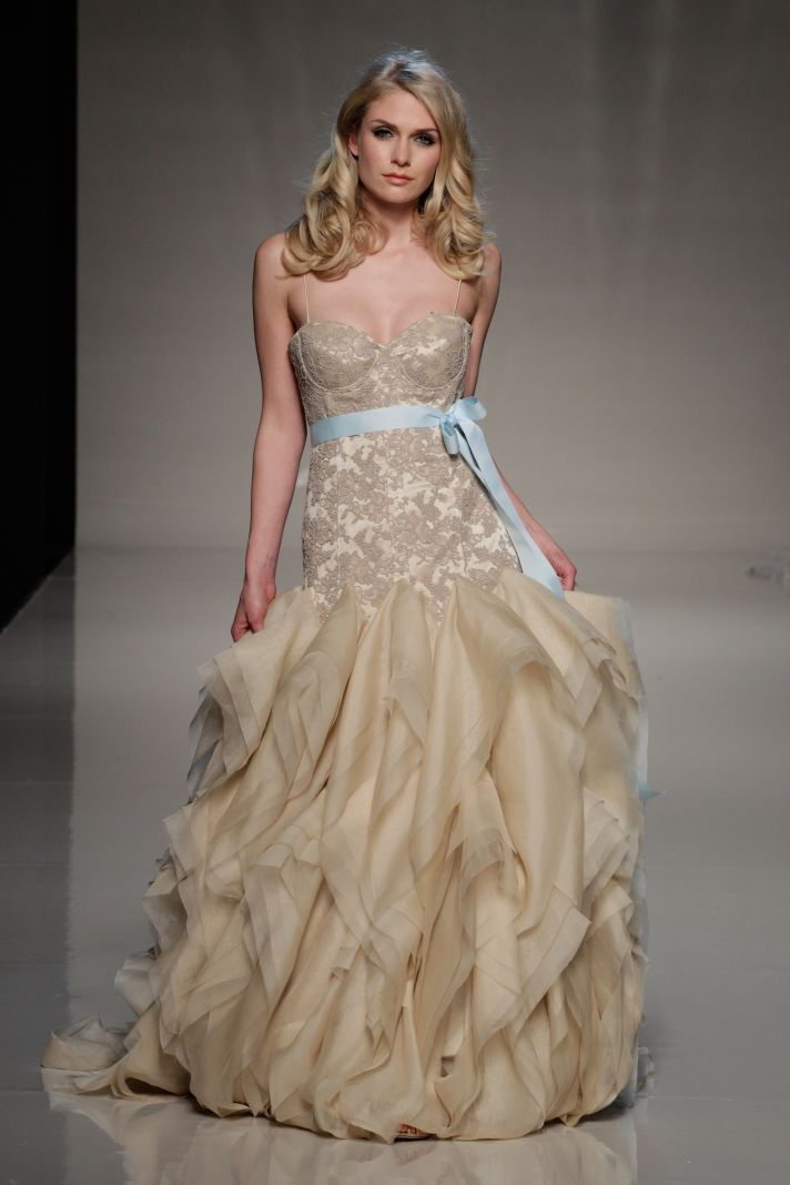 Glam Up Your Bridal Look With Gloves   Gowns, Wedding dress and ...