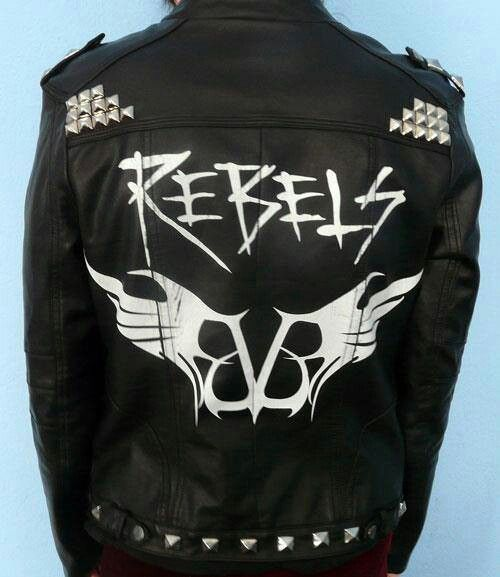 I plan on making a re-make of Eve's Legion of The Black Leather jacket, I did it with Andy's Prophet Jacket.