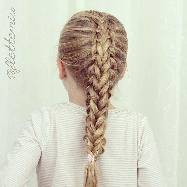 Splittet femmerflette inspirert av @flettemamma 💕 // Split five strand braid inspired by @flettemamma 💕