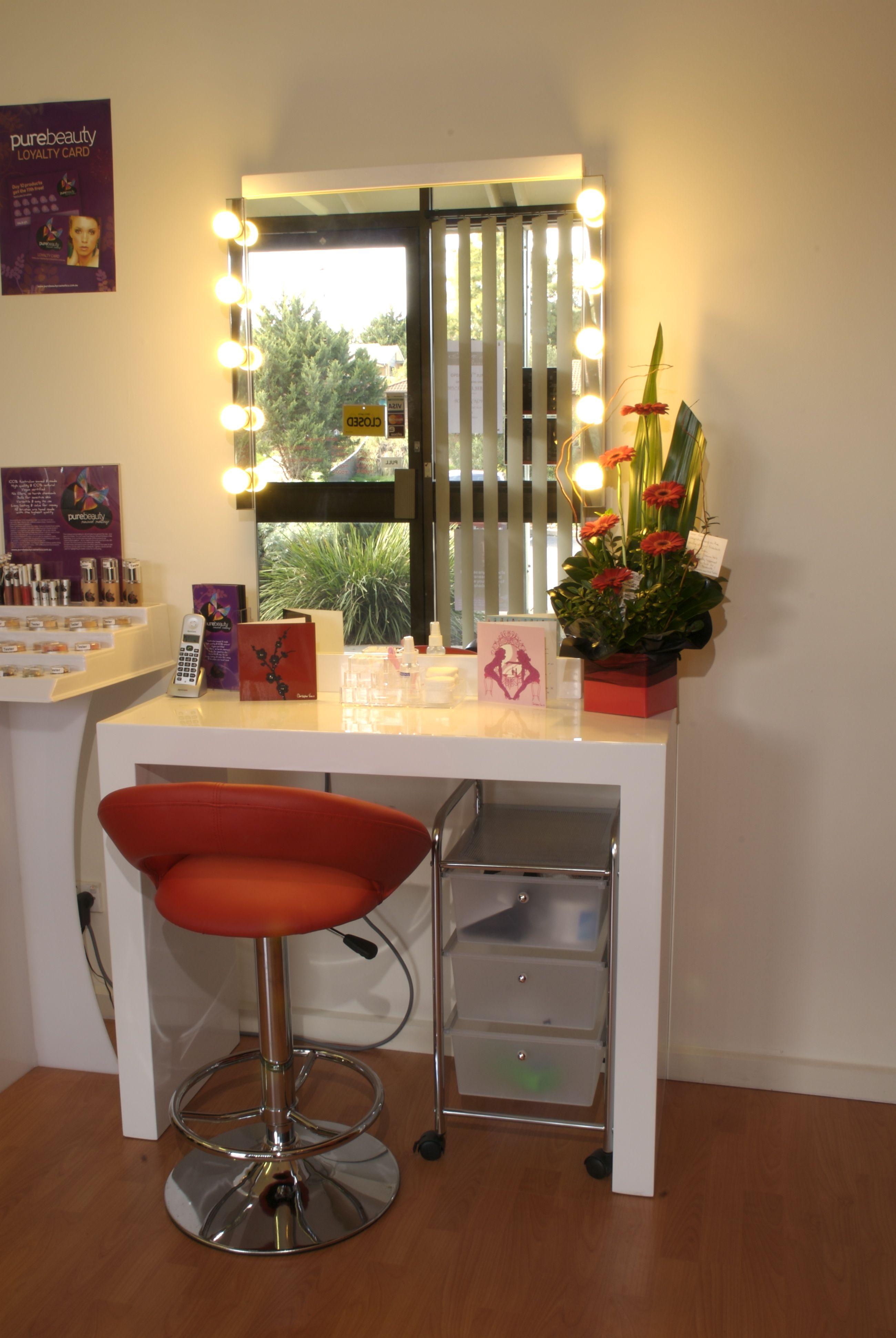 Chic Graphic And Simple Home Salon Studio Decor Studio Setup
