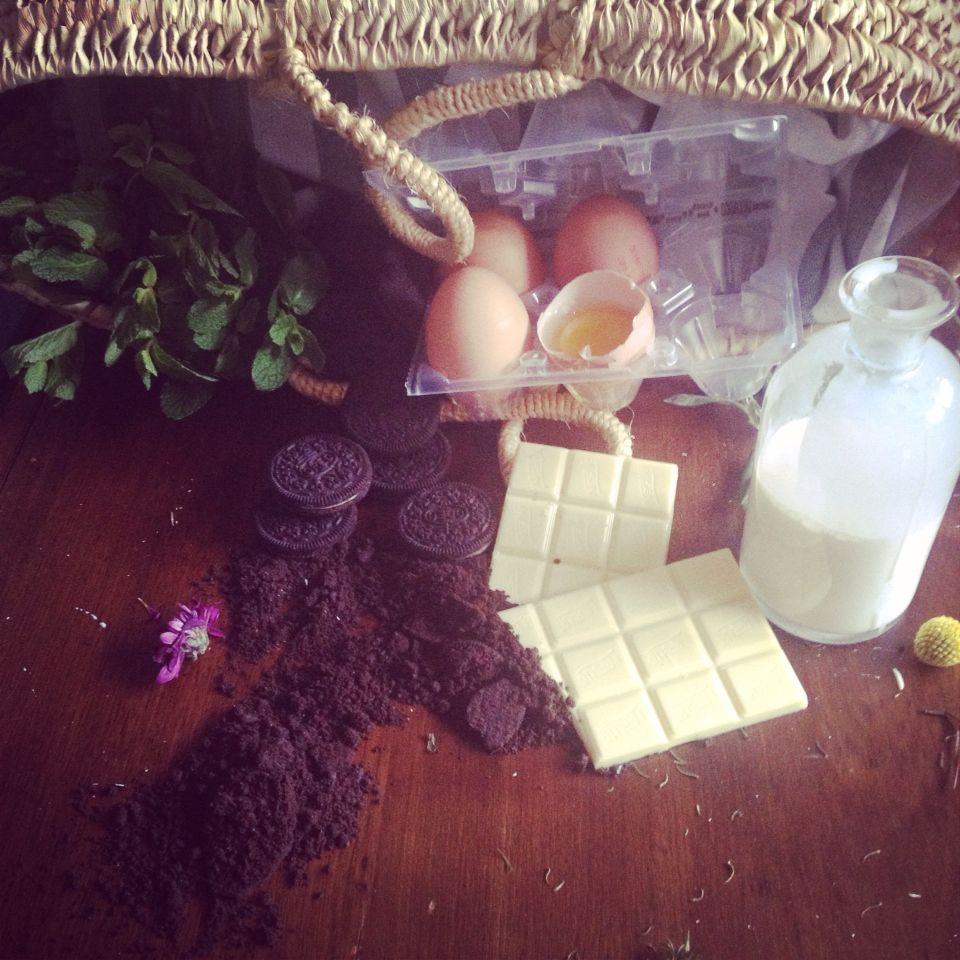 Ingredientes para un irresistible Cremoso de Chocolate BLANCO con OREO.  #cocinarconniños #chocolateblanco #oreopassion #buscaelladoautentico