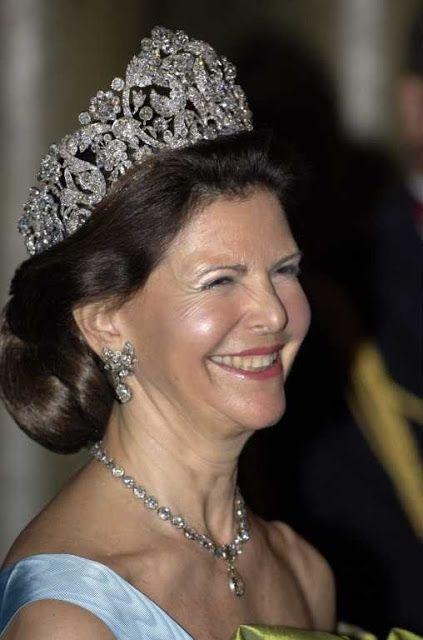 Reina Sivia y la tiara Braganza