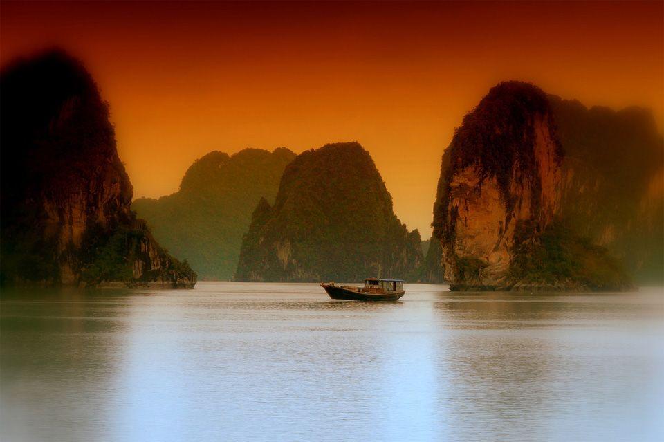 Картинка вьетнам с надписью, лет