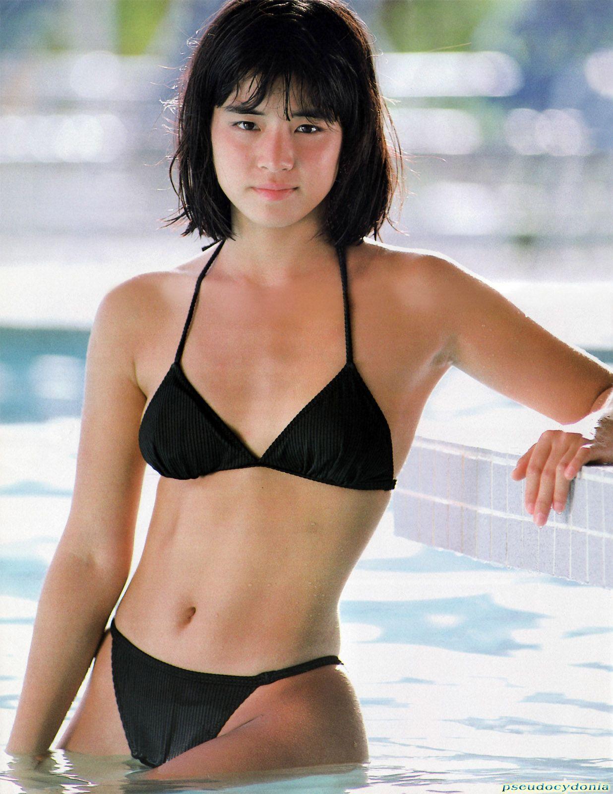 80年代アイドル 水着 石田ゆり子 80年代アイドル水着画像1