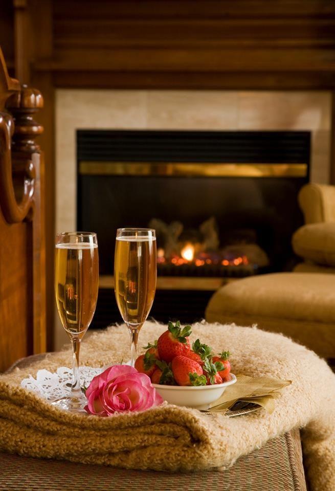 Картинки вечер с шампанским, дом картинки анимация