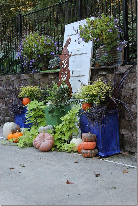 mum free fall outdoor decorating ideas - Fall Yard Decorating Ideas