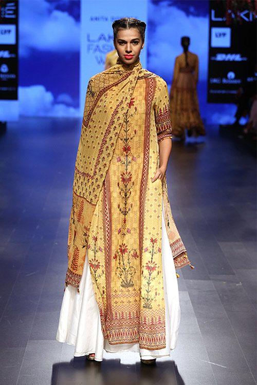 20 Latest Salwar Suit Designs Trending Now In India Fashion India Fashion Week Lakme Fashion Week