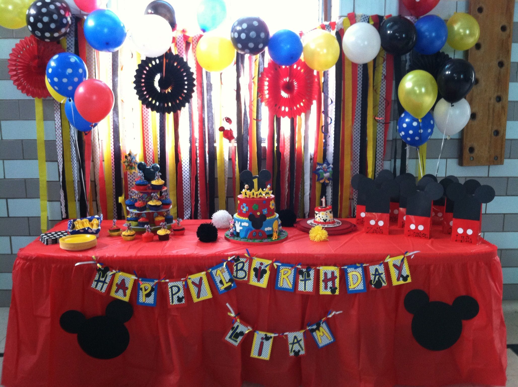 Mickey Mouse cake table Liam Pinterest Mickey mouse cake