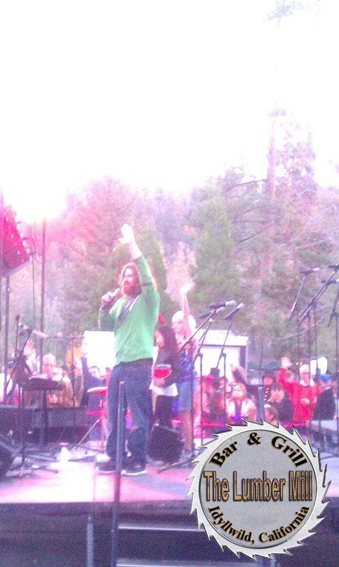 Casey Abrams From American Idol Singing At The Christmas Tree Lighting Ceremony In Idyllwild California Idyllwild Christmas Tree Lighting Bar Grill