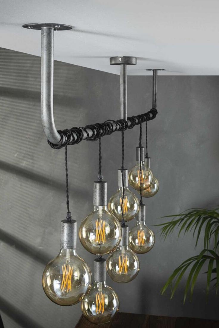 Lampe Mit Gluhbirnen Eine Gluhbirnen Lampe Fur Die Decke In 2020 Gluhbirnen Lampe Gluhbirne Lampe