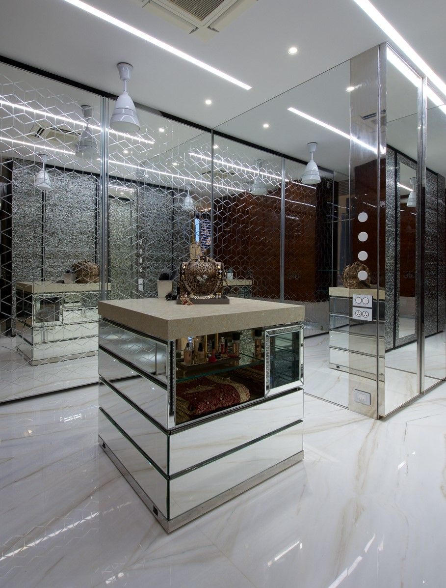 A Mahal In The Sky Showroom Interior Design Green Rooms