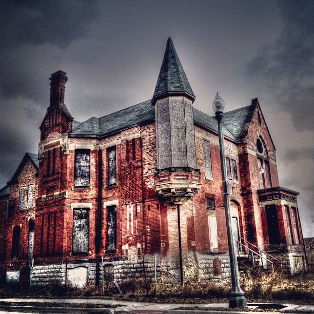 Abandoned Places For Sale In Pa: Abandoned Detroit Mansion That Looks Like A Mini Castle