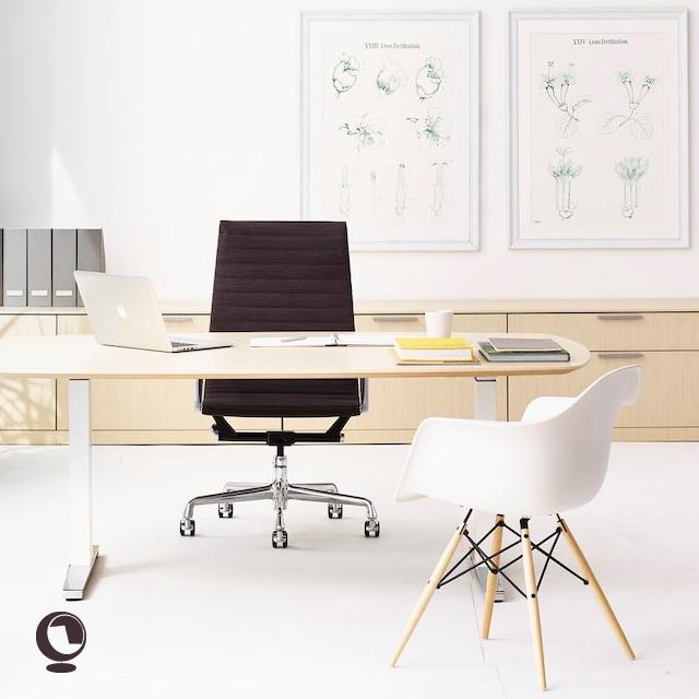 Epingle Sur Chaises Et Tables De Bureau