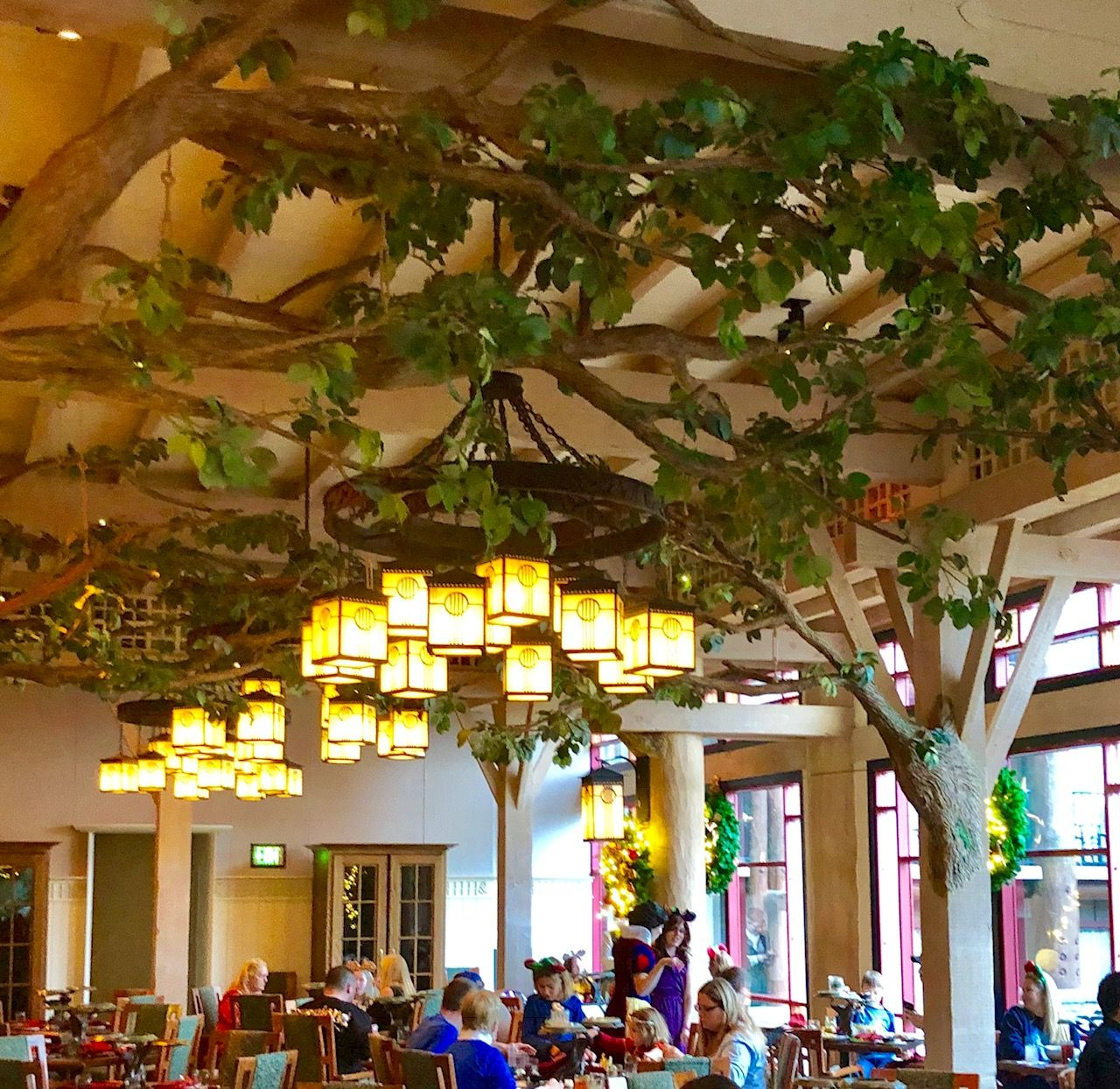 Review! NEW Storybook Dining at Artist Point with Snow