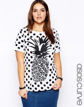 Imagen 1 de Camiseta con estampado de lunares y piñas de ASOS CURVE