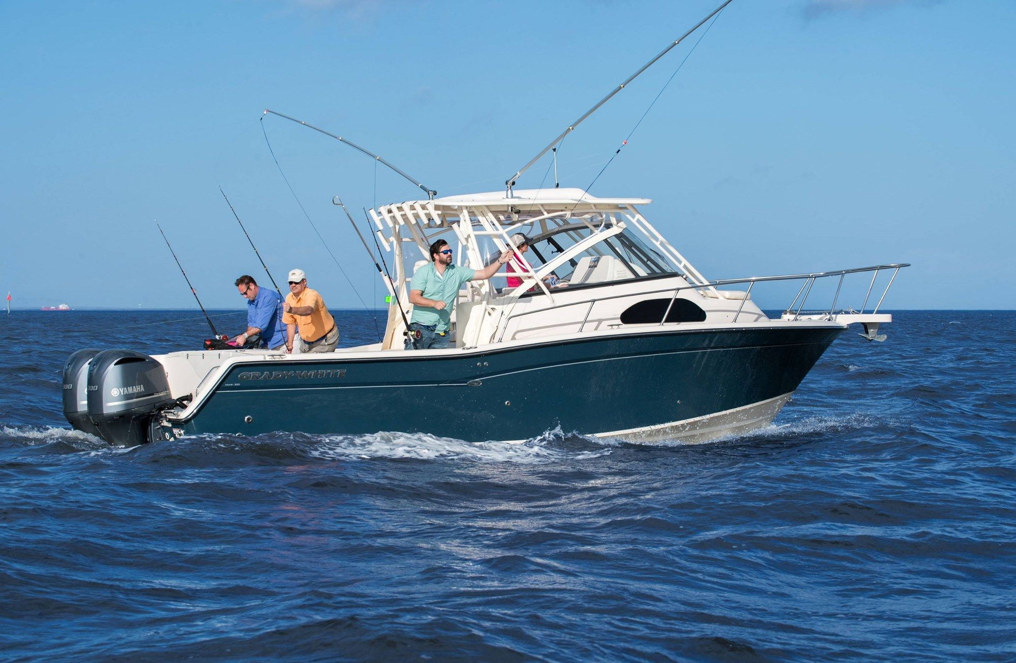 Grady White Marlin 300 Walkaround Cabin Ocean Fishing