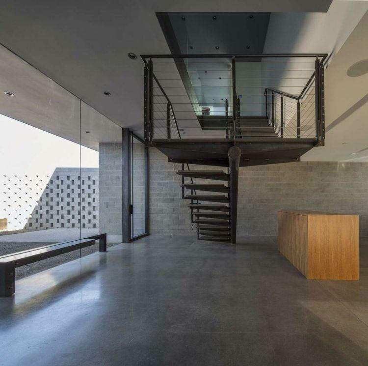 mauerwerk-sichtschutz-offen-wohnbereich-treppe-metall-schwarz ...