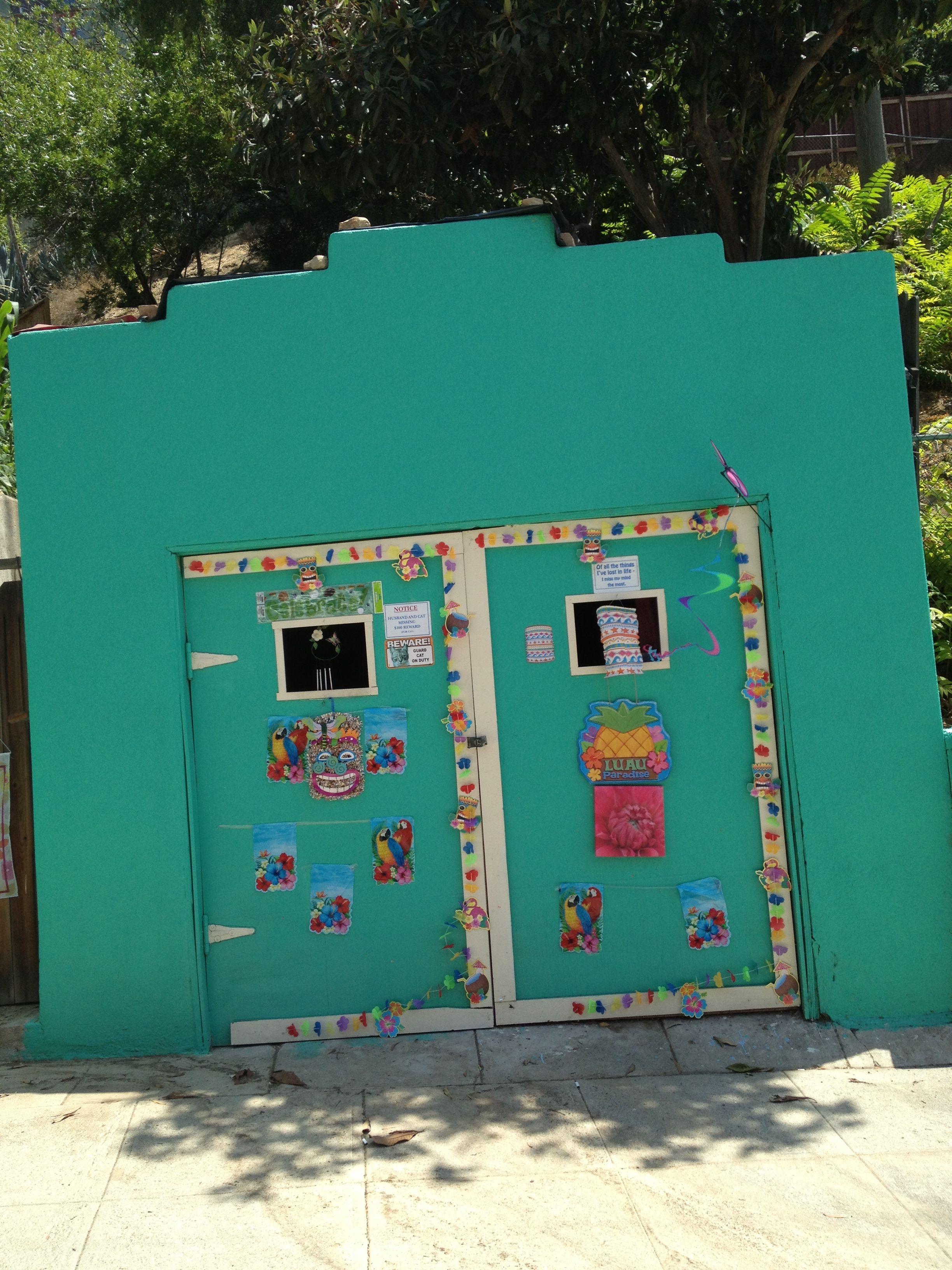 A Very Festive Garage Door On Museum Dr Mt Washington Los Angeles Northeast Los Angeles East Los Angeles Los Angeles Neighborhoods