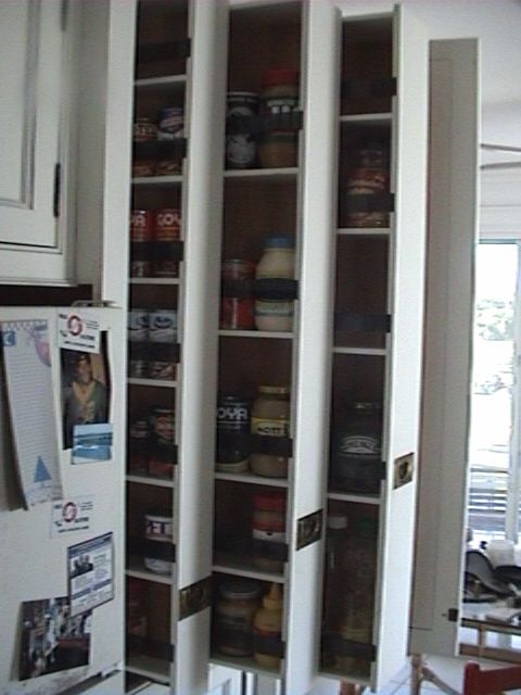 Pullout Pantry Hardware Set Up With A Single Undermount