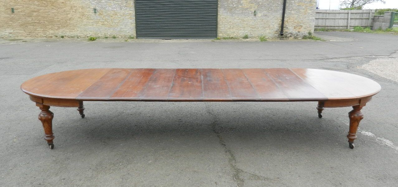 5 Metre Antique Victorian Dining Table   Original 15ft Mid Victorian Oak  Extending Dining Table To Seat 18 To 20 People.
