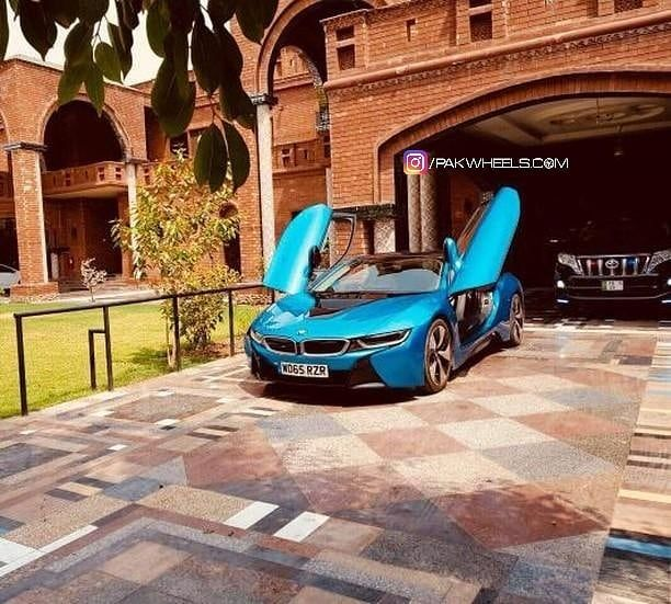Bmw I8 From Faislabad Credits Izaanalee Have A Cool Photo Or